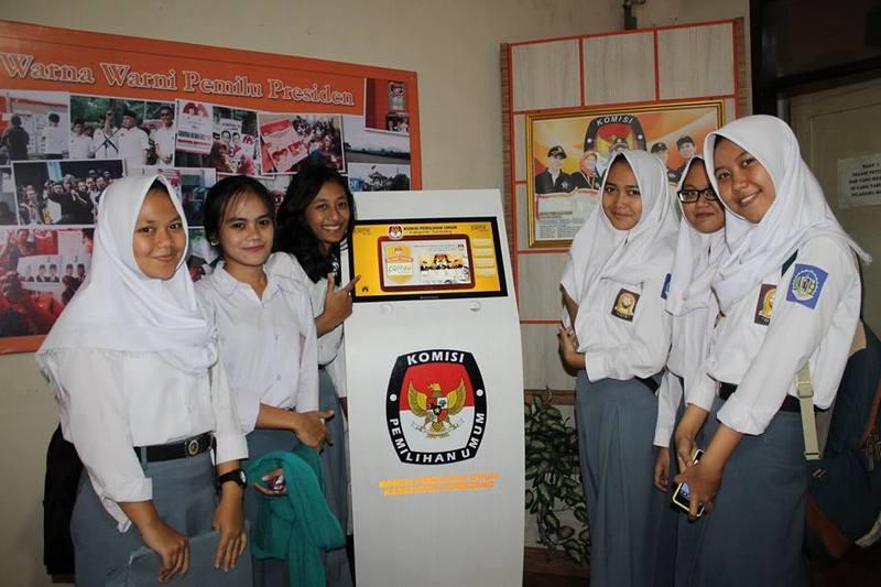 KPU Sumedang Goes to School, Sosialisasi Pemilukada untuk Pemilih Pemula